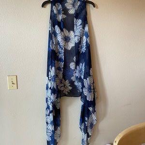 Fashion sleeveless vest